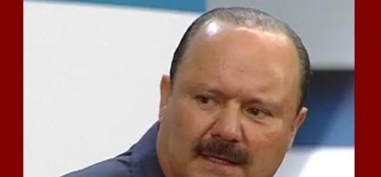 PRI expulsa a ex gobernador de Chihuahua