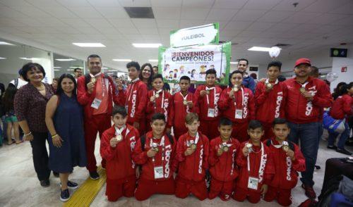 Ganan alumnos de primaria doble de medallas de oro en competencia nacional