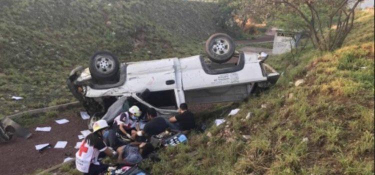A pesar de ley seca, policías ebrios vuelcan en patrulla en Tamaulipas