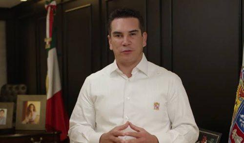 Gobernador de Campeche pide licencia al cargo