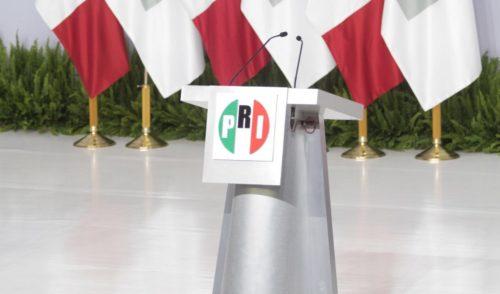 Ven aspirantes al PRI un partido que 'tiene miedo al presidente'