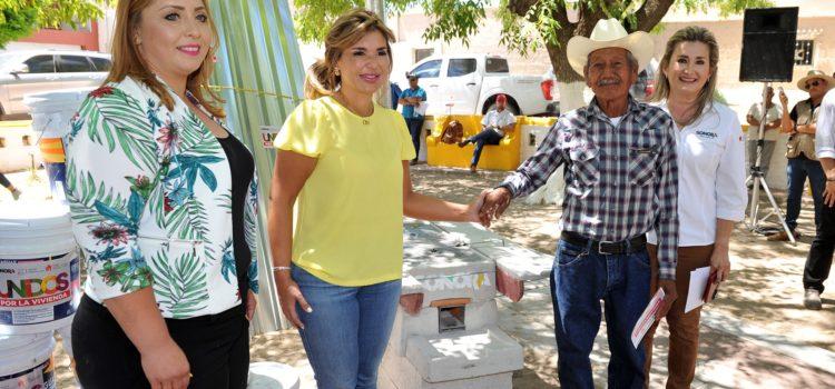 Entrega Gobernadora Pavlovich apoyos a ciudadanos de cinco municipios