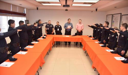 El comisario general de Seguridad Pública dio la bienvenida a los agentes y los exhortó a servir cada día a la sociedad hermosillense