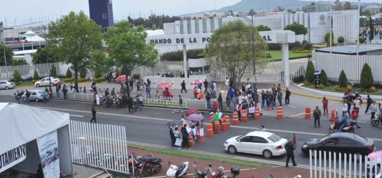 Policías federales protestan por tercer día por incorporación a Guardia Nacional