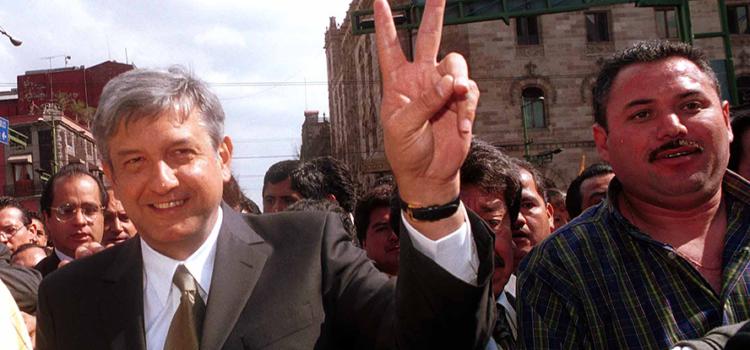 El día que AMLO también renunció a un cargo