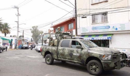 Ejército asegura tráiler con mil kilos de mariguana en Nayarit