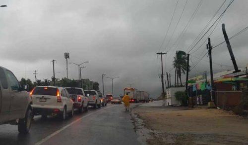 Suspenden clases en Los Cabos por tormenta tropical Ivo