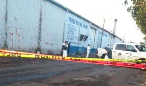 Exhiben a tres personas ejecutadas en distintos puntos de Michoacán